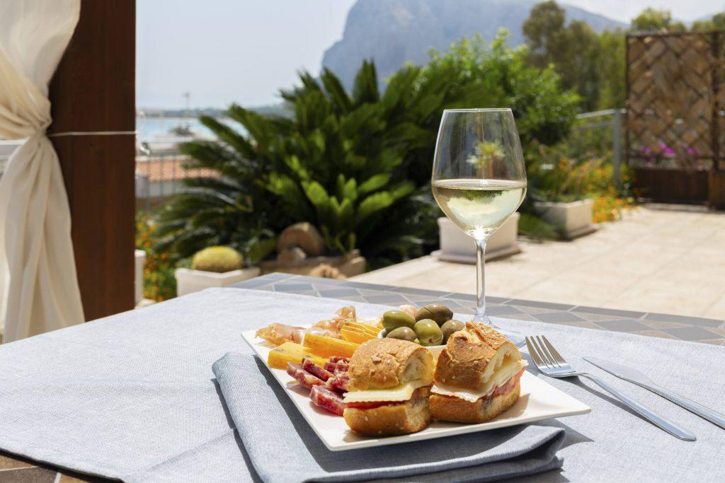 aperitivi vista mare - Albergo auralba San Vito Lo capo